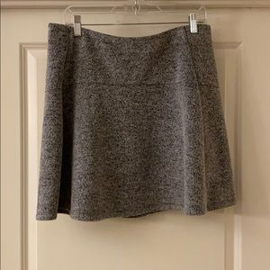Women's Size L Loft Flippy Skirt in Gray